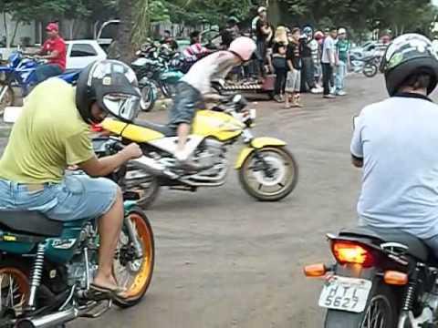 InduBrasil 2014 Motos Empinando Grau Babalu wheeling Game Of Death Freestyle Os Melhores