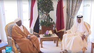 """أمير قطر يؤكد دعمه """"وحدة السودان واستقراره"""" خلال لقائه البشير"""