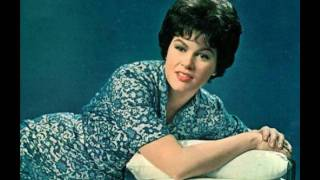 Patsy Cline - There He Goes