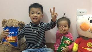 Finger Family Song Nursery Rhymes   で色を学ぶ 赤ちゃんの幼児  - 子供のための色づ