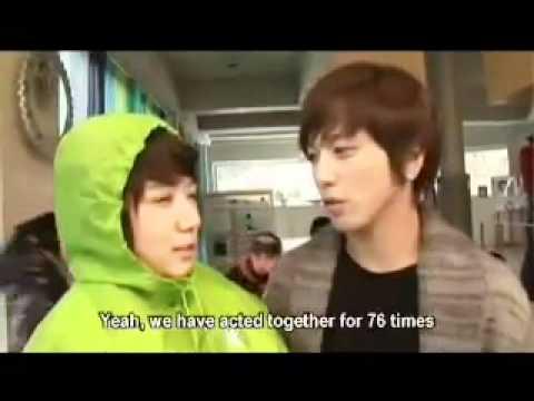 PARK SHIN HYE & JUNG YONG HWA REAL LIFE MOMENTS AS
