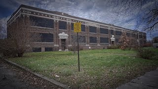 Abandoned School in the D | Urban Exploration in Detroit