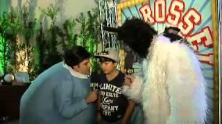 Pânico na Band 10/03/2013 - Repórter Vesgo acompanha festa de cachorro do Carrossel