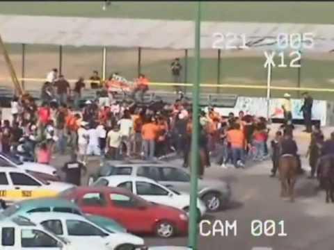 Desorden en el estadio Victor Manuel Reyna