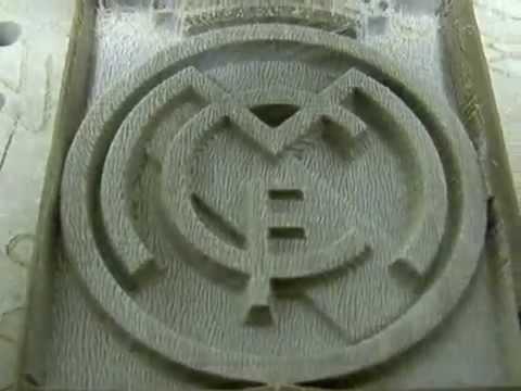 Fresado escudo del Real Madrid con fresadora CNC casera.wmv