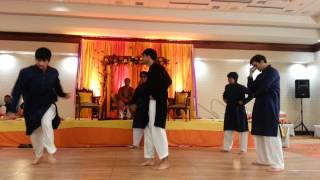 Mohib, Ahmed, Hamid and co dance | Desi Thumka | Mehndi | Wedding |