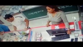 महिला ने चालाकी से मोबाइल पर हाथ किया साफ, देखिए वीडियो