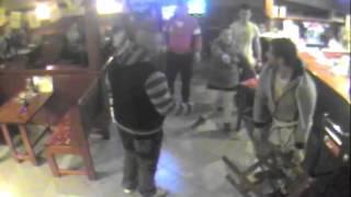Brutálna bitka v bare v Žiari nad Hronom