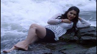 सनी लियॉन से भी ज़्यादा हॉट है भोजपुरी फिल्म की ये बोल्ड एक्ट्रेस...