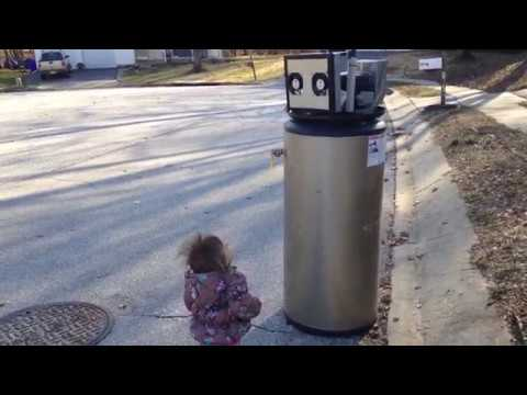 Rayna meets a robot .
