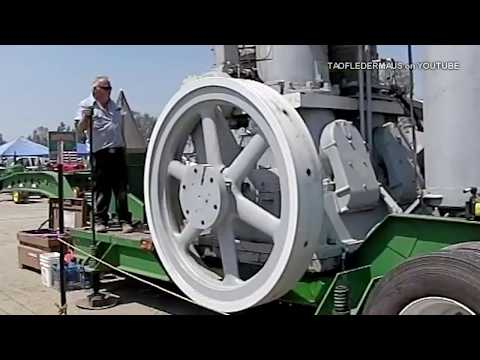 Giant 22 TON Engine Start up Great Sound