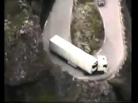 AMAZING TRUCK DRIVERS DANGEROUS ROADS