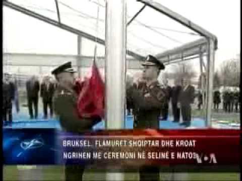 Flamuri shqiptar ne Nato