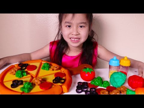 Xxx Mp4 Jannie Amp Uncle Pretend Play With Toy Pizza Velcro Playset 3gp Sex