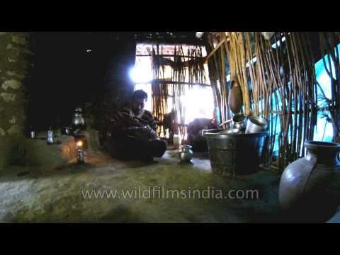 Xxx Mp4 Indian Tribal Man Eating Lunch In His Tree House 3gp Sex