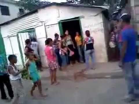 Mujeres peliando en Republica Dominicana