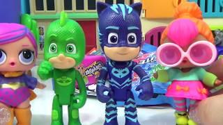 PJ MASKS TRANSFORMING PLAYSET Connor, Greg and Amaya Transform Into Catboy, Gekko and Owlette