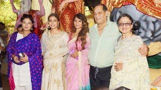 Kajol, Tanuja, Tanisha, At Making Of Durga Maa's Protima With Artisan