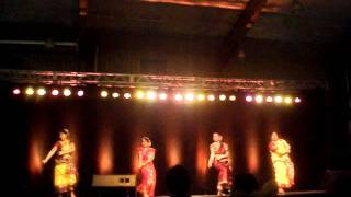 Dance with Kine De Reshmi Churi