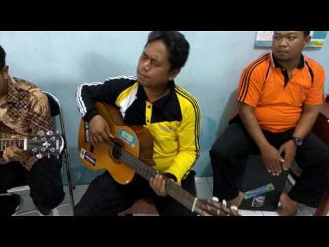 Surat Cinta Untuk Starla Cover The Guru Ft Anindia Mutiara Akustik Smk N 1 Sayung Demak