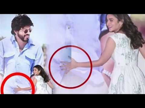 Xxx Mp4 Bollywood Actress Alia Bhatt Touches The Private Part Of Director 3gp Sex
