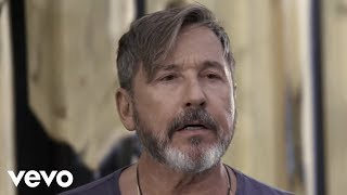 Ricardo Montaner - Un Hombre Normal (Official Video)