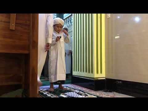 Hasan Basri imam isya' .. ( suara merdu )
