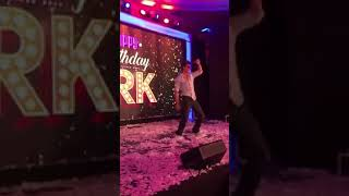 Shah Rukh Khan Dancing For FANs On Jabra Fan Song At Taj Lands End On 2nd Nov #IAMSRKClub