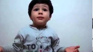 کودکی که اشعارِ سعدی را تفسیر میکند--واقعن دیدنیست..