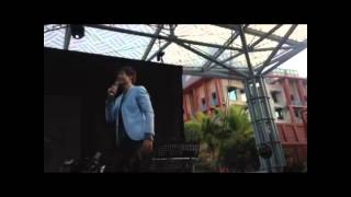 Ronnie Liang sings Dance with my Father at Singapore