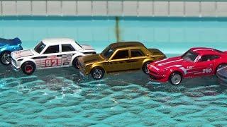 Pool-side Hot Wheels Unboxing
