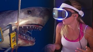 GIRLFRIEND PLAYS SHARK ATTACK ON PLAYSTATION VR