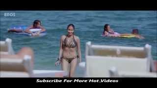 Jiah Khan Hot Two Piece Bikini In Housefull HD