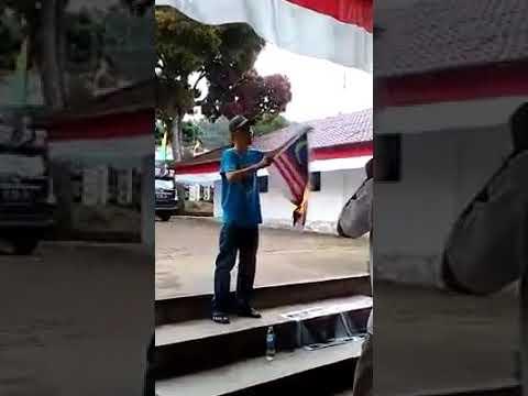 Xxx Mp4 MESTI TONTON Video Seorang Aktivis Dari Kepulauan Nias Sumut Membakar Bendera Malaysia 3gp Sex