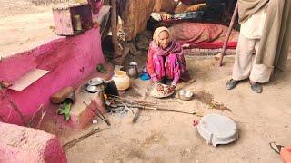 Village people working at home // Rural life Punjab / India / Village life of punjab