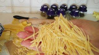 Bakina kuhinja - kako napraviti domaće rezance za supu ( homemade noodles)