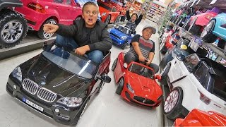 Ride on Cars Power Wheels Toy Haul Race!