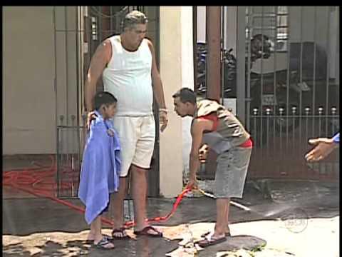PEGADINHAS DO SILVIO SANTOS 3 PEGADINHAS 02 12 2012