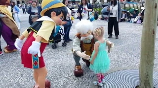 Meeting Pinocchio at Tokyo DisneySea