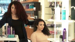 Ways to Wear Your Hair for Modeling Auditions : Brush, Curl & Style Hair
