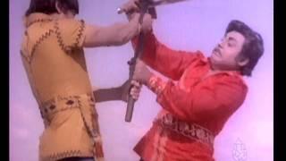 Hot Kannada Movie - Bahaddur Gandu - Rajkumar - Part 14 of 14