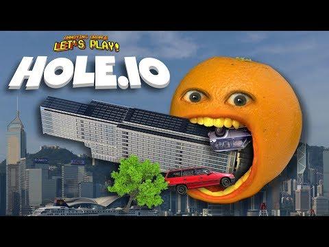 HOLE.IO EATING SKYSCRAPERS Annoying Orange Plays