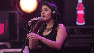 Congratulations! Singer Sunidhi Chauhan is pregnant with her first child