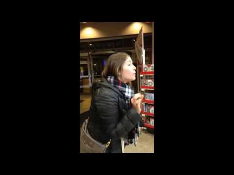 Racist White Woman Trump Rant in Chicago Store 11 23 16
