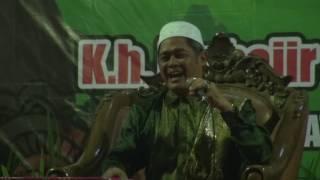 Pengajian Akbar K.H. Muhajir Sulthon Full Humor di PP Al Ikhlas 2016