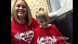 Santa helps blind child experience the magic of Christmas ABC News