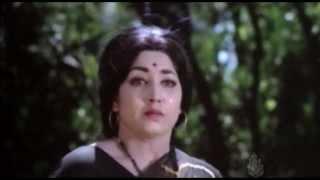 Edakallu Guddada Mele Kannada Movie-Nillu Nille Pathanga