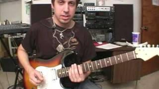 Cómo tocar una guitarra de Heavy Metal : Técnicas de punteo barrido en heavy metal