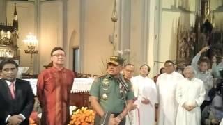 Kapolri dan panglima TNI kunjungi umat katolik katedral