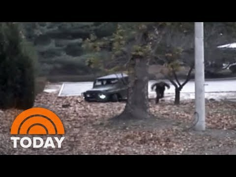 Xxx Mp4 North Korean Soldier's Daring Dash Across Demilitarized Zone Caught On Camera TODAY 3gp Sex